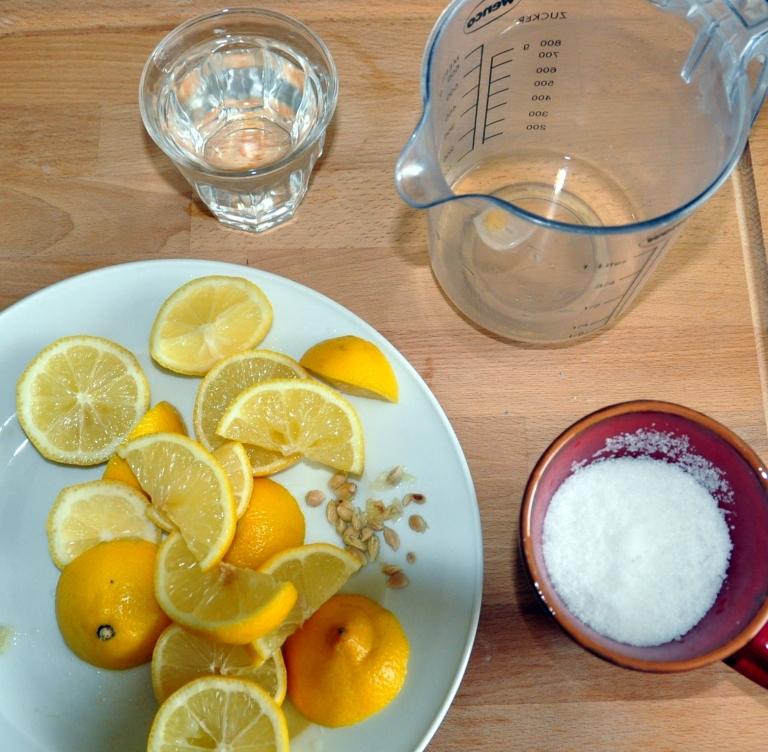 I 4 ingredienti per il detersivo piatti da fare in casa sono tutti stra-reperibili e economicissimi